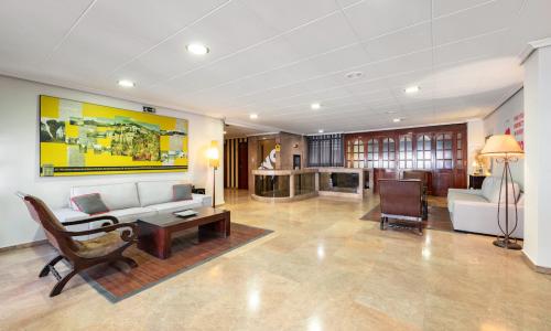 OYO Francabel Hotel