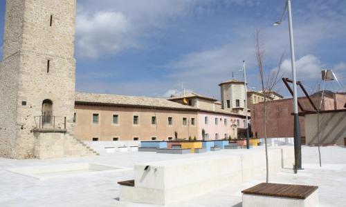 Plaza y Torre de Mangana